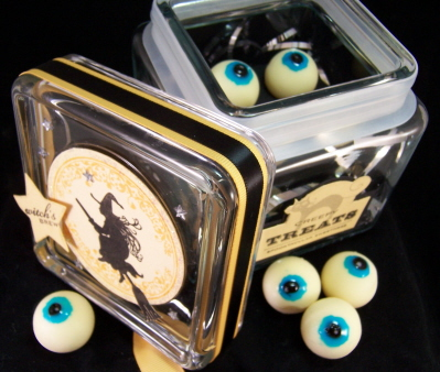 creepy-eyeballs-treats-lid-off.jpg