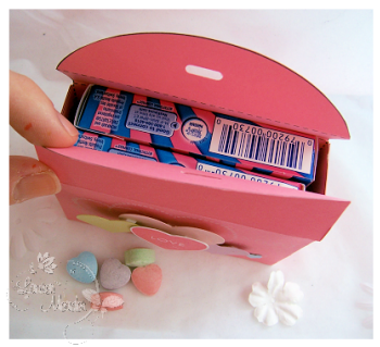 sweet-hearts-inside-box.png